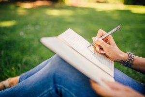 アフィリエイトライティングの勉強におすすめの本【最低2冊】